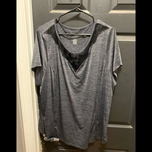 Lane Bryant LIVI dry fit active top size 26/28